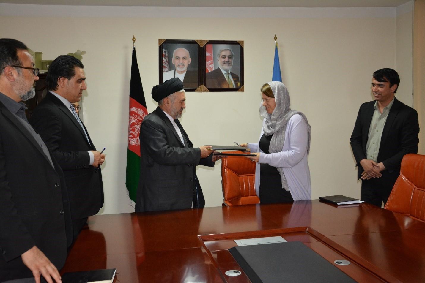 تفاهمنامه همکاری میان وزارت امور مهاجرین و موسسه کمیته بین المللی نجات به امضا رسید