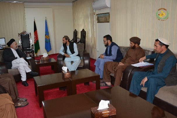 Some of the Youth residents of Nangarhar province of Shikh Mesry Refugees City Designed their problems with Minister of Refugees and Repatriation