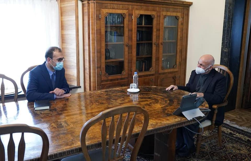 جلالتمآب محمد اشرف غنی ریس جمهور کشور با وزیر امور مهاجرین وعودت کنندگان در رابطه با بیجاشدگان و پناهندگان افغان به تفصیل صحبت کرد.